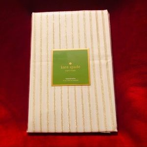 "Kate Spade New York Harbour Drive 70"" TableCloth"